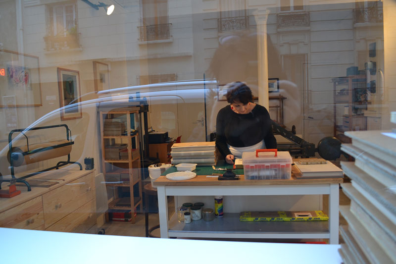 vitrine atelier-quartier-livre-reliure